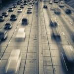 Bild på en massa bilar